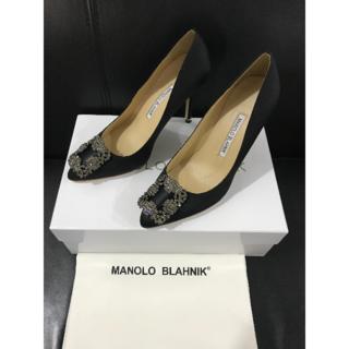 マノロブラニク(MANOLO BLAHNIK)の37/24cmマノロブラニク ハンギシ ブラック(ハイヒール/パンプス)