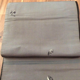 アンティーク 名古屋帯 黒光沢グレー扇刺繍 リバーシブル 30cm幅x390cm(帯)