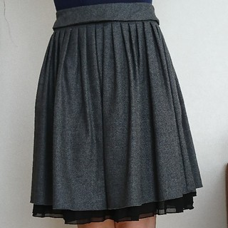 レストローズ(L'EST ROSE)のウールスカート(ひざ丈スカート)