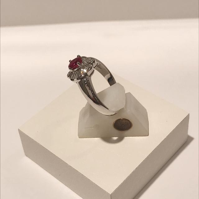 PT 900 プラチナ ルビーリング 真赤 レディースのアクセサリー(リング(指輪))の商品写真