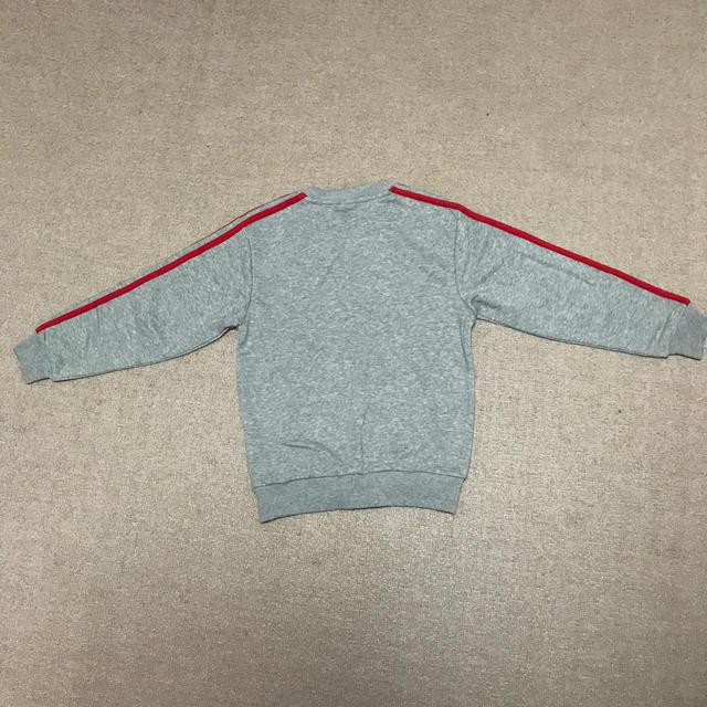 adidas(アディダス)のアディダス トレーナー 140 キッズ/ベビー/マタニティのキッズ服 男の子用(90cm~)(Tシャツ/カットソー)の商品写真