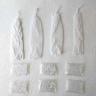 キワセイサクジョ(貴和製作所)の国産ガラスビーズ 白系 丸大ビーズ デリカビーズL 特小 まとめて10種セット (各種パーツ)