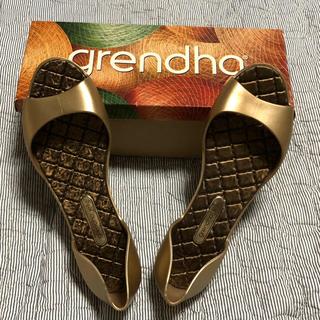 グレンダ(grendha)のgrendha ゴールド ラバーシューズ 使用1回のみ(サンダル)