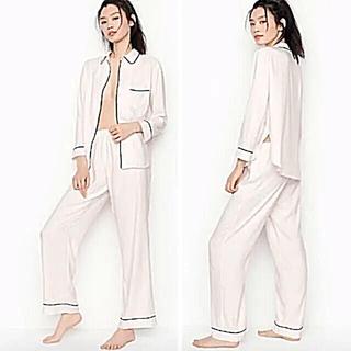 ヴィクトリアズシークレット(Victoria's Secret)の新品 VS さらさら&シルキー♪ 寝心地最高^^ サテン パジャマ(パジャマ)