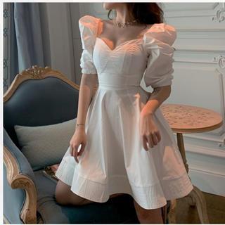 リリーブラウン(Lily Brown)の♡ボリュームショルダーワンピース♡白系韓国ファッション(ひざ丈ワンピース)
