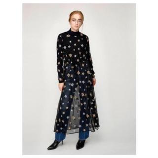 マウジー(moussy)の【新品】MOUSSY STAR EMBROIDERY TULLE DRESS(ロングワンピース/マキシワンピース)