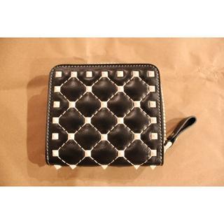 ヴァレンティノガラヴァーニ(valentino garavani)の◼️新品、未使用、日本未入荷◼️ヴァレンティノ二つ折り財布-ブラック(財布)
