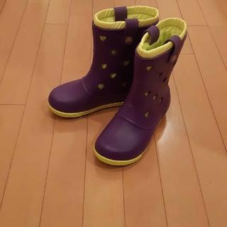 クロックス(crocs)の新品未使用クロックスcrocs紫黄色ハート長靴J3 21センチ(レインブーツ/長靴)