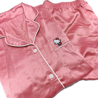 ジーユー(GU)の限定品★GU ジーユー ハローキティちゃん サテンパジャマ XL ピンク(パジャマ)