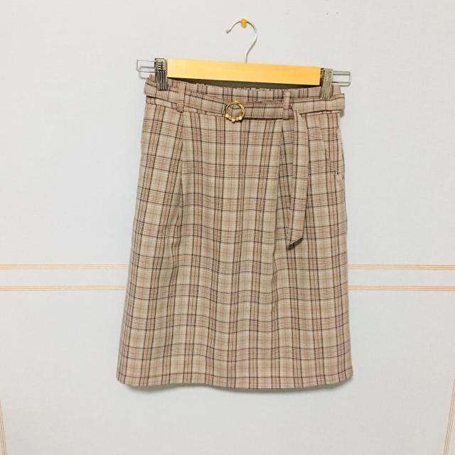 MAJESTIC LEGON(マジェスティックレゴン)のマジェスティックレゴン チェックスカート パール バックル  レディースのスカート(ひざ丈スカート)の商品写真