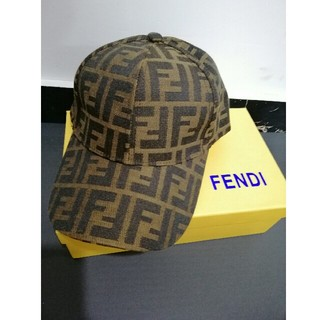 FENDI - 美品!Fendi フェンディ キャップ 帽子 男女兼用