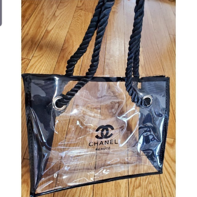 CHANEL(シャネル)のCHANEL⚫ノベルティ⚫クリアトート⚫ラスト1点 レディースのバッグ(トートバッグ)の商品写真