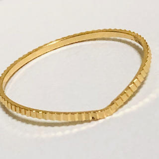 K18 V字デザインのリング(リング(指輪))