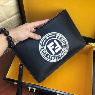 FENDI - Fendi フェンディ 男女兼用クラッチバッグ セカンドバッグ