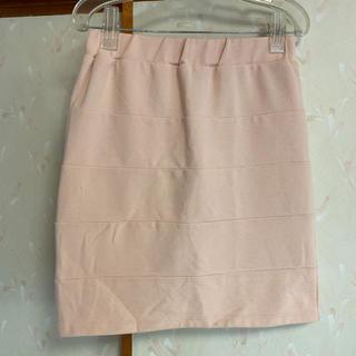 リュリュ(RyuRyu)のタイトスカート ベージュ 肌色 ミニスカート(ひざ丈スカート)