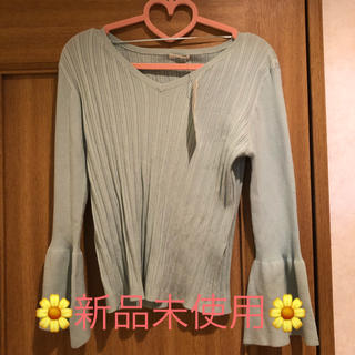 ジーユー(GU)の♡GU♡フレアスリーブニット♡(ニット/セーター)