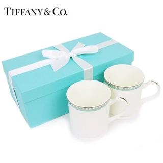 ティファニー(Tiffany & Co.)の【TIFFANY&CO.】ティファニープラチナブルーバンドマグカップペアセット(グラス/カップ)