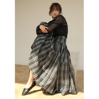 フレイアイディー(FRAY I.D)のプリーツタックタフタスカート SOLDOUTが多い商品です!早い者勝ち!(ロングスカート)