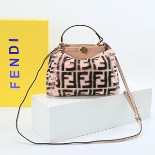 フェンディ(FENDI)のNEW  美品   人気 Fendi ショルダーバッグ ハンドバッグ(ショルダーバッグ)
