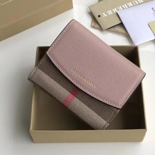 BURBERRY - 美品バーバリー二つ折り財布
