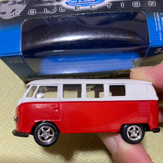 Volkswagen(フォルクスワーゲン)のミニカー フォルクスワーゲンバス エンタメ/ホビーのおもちゃ/ぬいぐるみ(ミニカー)の商品写真