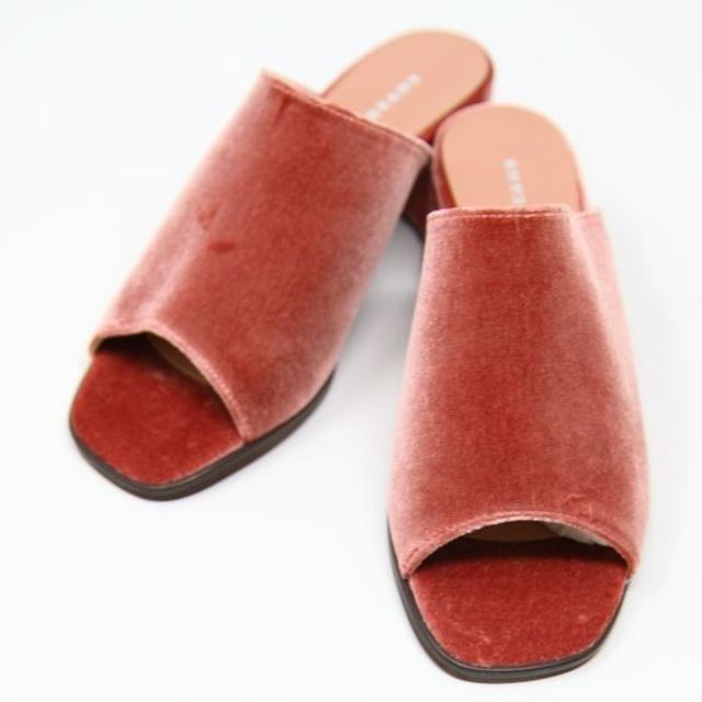JELLY BEANS(ジェリービーンズ)の新品★JELLY BEANS ベロア ヒール サンダル 赤 22.0cm レディースの靴/シューズ(サンダル)の商品写真