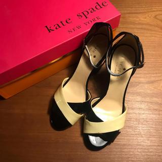 ケイトスペードニューヨーク(kate spade new york)の【新品未使用】kate spade エナメルサンダル 22.0(サンダル)