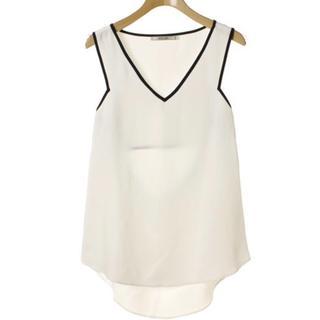 アウラアイラ(AULA AILA)のAULA AILA アウラアイラ 背中あきカットソー  ホワイト 0 美品(Tシャツ(半袖/袖なし))