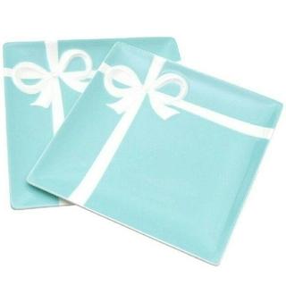 ティファニー(Tiffany & Co.)の【TIFFANY&CO.】ティファニーブルーボウデザートプレートペア2枚セット(食器)