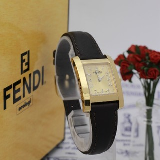 フェンディ(FENDI)の正規品【新品電池】FENDI 7000L/ゴールド 人気モデル 動作品(腕時計)
