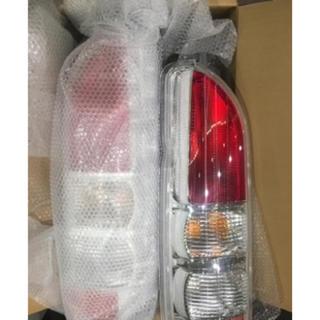 トヨタ - 現行 200系 レジアスエース トヨタ純正用品 クリアコンビネーションランプ