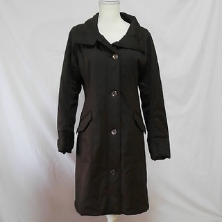 バーニーズニューヨーク(BARNEYS NEW YORK)の極美品バーニーズニューヨーク軽くて暖かい中綿ロングコート、サイズ11号。(ダウンコート)