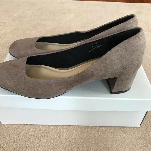 GU(ジーユー)のGU マシュマロスクエアパンプス みほーぬ様専用 レディースの靴/シューズ(ハイヒール/パンプス)の商品写真