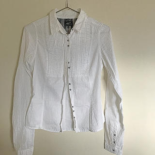 トミーヒルフィガー(TOMMY HILFIGER)のシャツ(シャツ/ブラウス(長袖/七分))