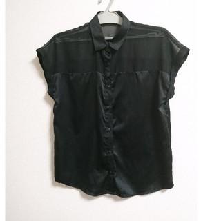 ジーユー(GU)のgu 半袖シャツ黒(シャツ/ブラウス(半袖/袖なし))