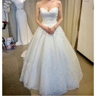 Vera Wang - 値下げしました!モリリー  ウエディングドレス  ベール付き 結婚式 二次会