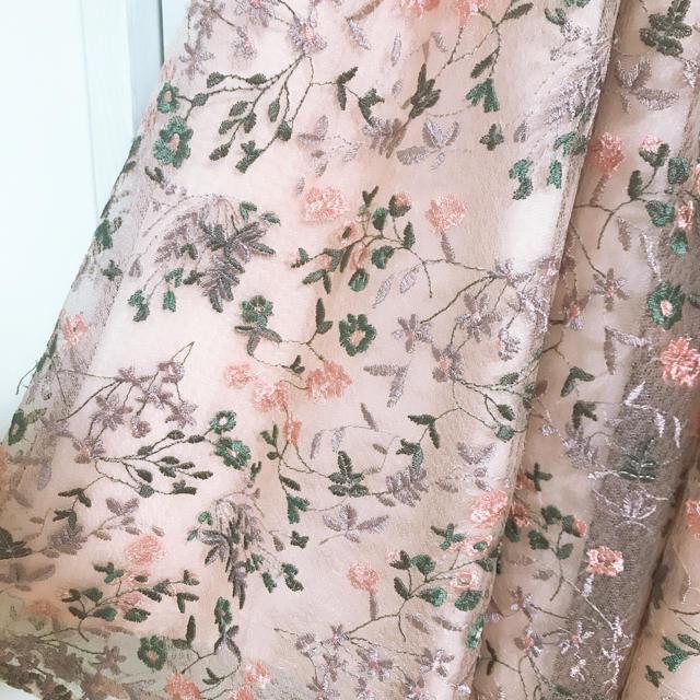 Lily Brown(リリーブラウン)のLilyBrown フラワー刺繍ワンピース レディースのスカート(ミニスカート)の商品写真