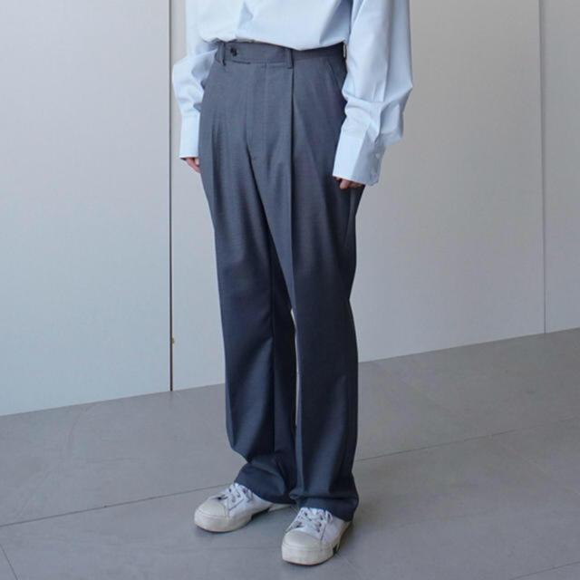 COMOLI(コモリ)のCOLN one tuck wide trousers ワイドパンツ スラックス メンズのパンツ(スラックス)の商品写真