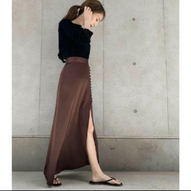TODAYFUL(トゥデイフル)のlouren スリットロングスカート レディースのスカート(ロングスカート)の商品写真