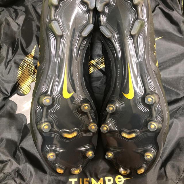 NIKE(ナイキ)のティエンポレジェンドFG 26.5cm 送料無料 スポーツ/アウトドアのサッカー/フットサル(シューズ)の商品写真