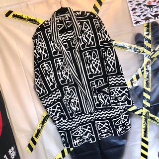 総柄 幾何学模様 バイカラー ビッグ テーラード ジャケット 古着 韓国系 黒白(テーラードジャケット)