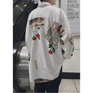 カッコいい‼️長袖 メンズ シャツ 薔薇 白 2XL(LLくらい)  11018(シャツ)