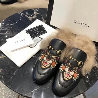 グッチ(Gucci)のGUCCI ファー スリッパサンダル(サンダル)