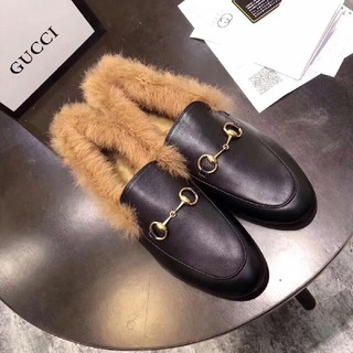 Gucci - GUCCI ファー ス ローファー