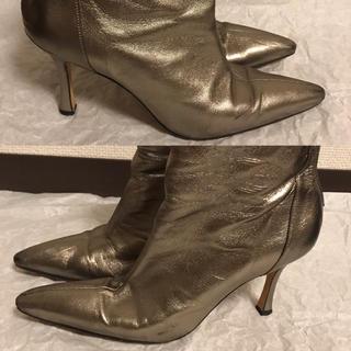 マノロブラニク(MANOLO BLAHNIK)のMANOLO BLAHNIK マノロブラニク ブーツ ショート ゴールド 裏張済(ブーツ)