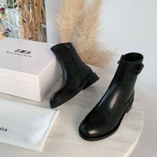 バレンシアガ(Balenciaga)のBALENCIAGA バレンシアガ 素敵なシューズ(ブーツ)