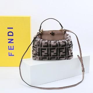 FENDI - 美品  NEW  Fendi ショルダーバッグ ハンドバッグ