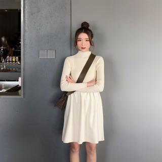 【長袖♡ニットワンピ】Sサイズ 白 ホワイト オフホワイト フレア ハイネック(ひざ丈ワンピース)