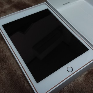 Apple - ☆ほぼ未使用 iPad mini5(2019) 64gbゴールド