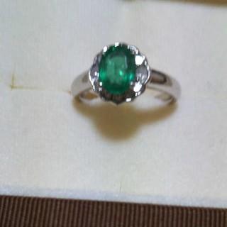 エメラルドダイヤモンド巻き(リング(指輪))